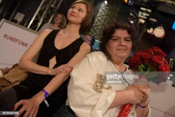 Cutterin Dana Bunescu mit dem Silbernen Bären für den Besten Schnitt in dem Film ANA MON AMOUR zu Gast im RadioEins Berlinale Nighttalk aus der...