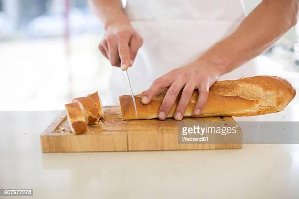 Cutting baguette