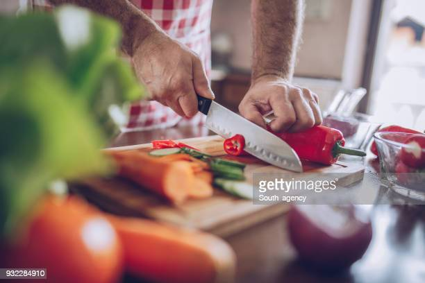 Cutting vegetable for salad