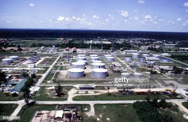Cuves de pétrole à Seria Sultanat de Brunei Darussalam