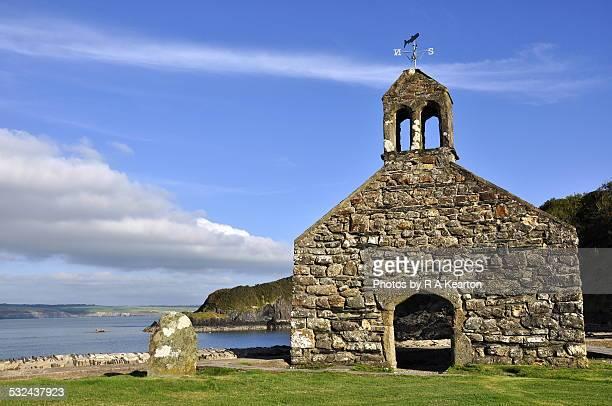 Cwm-yr-Eglwys, ruined church, Pembrokeshire
