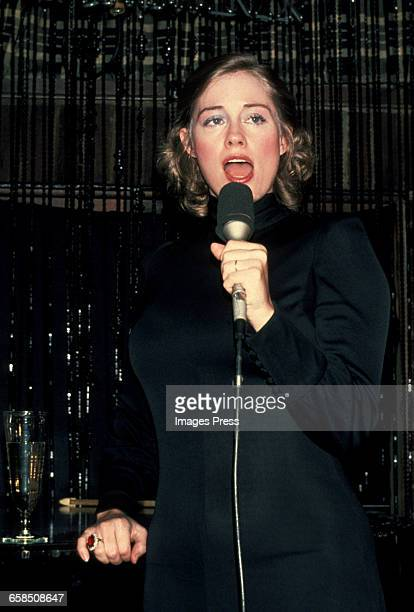 Cybill Shepherd sings cabaret circa 1979 in New York City