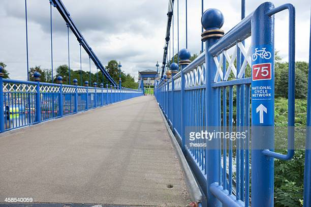 cycle path over the river clyde - theasis stock pictures, royalty-free photos & images