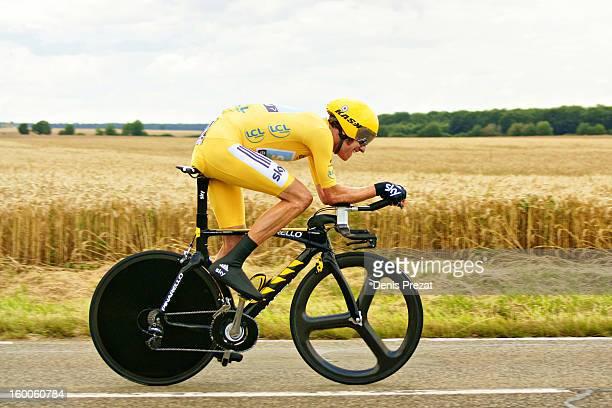 CONTENT] Cycle Race Tour de France 2012 Bradley Wiggins le maillot jaune lors du contre la montre Bonneval Chartres