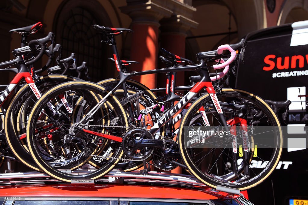100th Tour Of Italy 2017 Stage 12 Giant Bike Tom Dumoulin Pink News Photo Getty Images