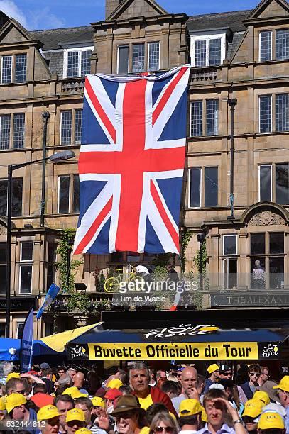 101th Tour de France / Stage 1 Illustration Illustratie / Public Publiek Spectators / Fans Supporters / English Flag Drapeau Vlag / Leeds Harrogate /...