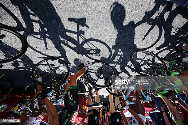 102nd Tour de France / Stage 7 Illustration Illustratie / Shadow Hombre Schaduw Peleton Peloton / QUEMENEUR Perrig / Team Europcar / Livarot -...