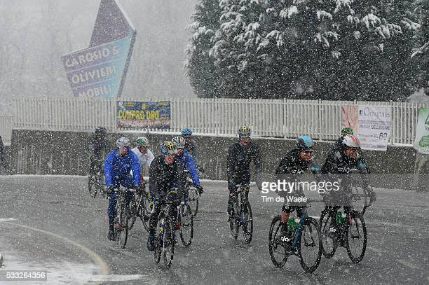 104th Milan Sanremo 2013 Race neutralised due to heavy snow and cold weather conditions / Illustration Illustratie / Snow Neige Sneeuw / Peleton...