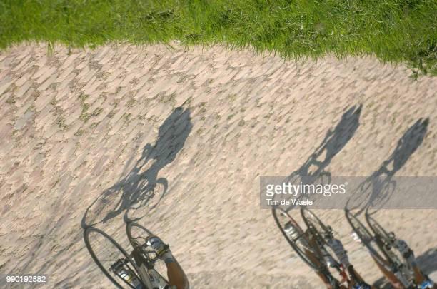 Paris-Roubaixillustration Illustratie, Peleton Peloton, Shadow Hombre Schaduw, Coble Stones Pav? Pave Kassei, Compiegne - Roubaix , Parijs, Uci Pro...