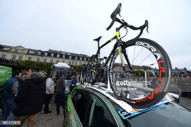 112Th Paris Roubaix 2014 Start Colnago Bike Velo Fiets Car Voiture Auto Team Europcar / Campagnolo Paris Roubaix / Parijs Pr / Tim De Waele