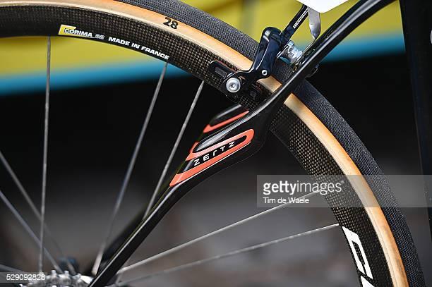 114th Paris Roubaix 2016 Illustration Illutratie/ AG2R/ Bike/ wheel Compiegne Roubaix / Parijs PR / Tim De Waele