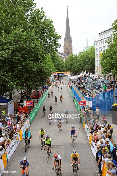 15th Vattenfall Cyclassics Hamburg 2010 Illustration Illustratie / Wieler tourists Toerist Amateur / Hamburg City Ville Stad / Peleton Peloton /...