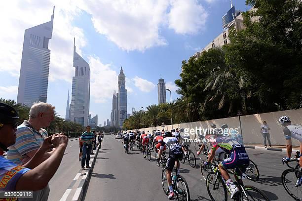 1th Tour of Dubai 2014 / Stage 2 Illustration Illustratie / Peleton Peloton / Dubai City Ville Stad / Public Publiek Spectators / Landscape Paysage...