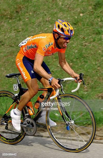 Cycling, 2004 Tour of Romandie. David Etxebarria during stage 2. Cyclisme, Tour de Romandie 2004. David Etxebarria dans la deuxième étape.