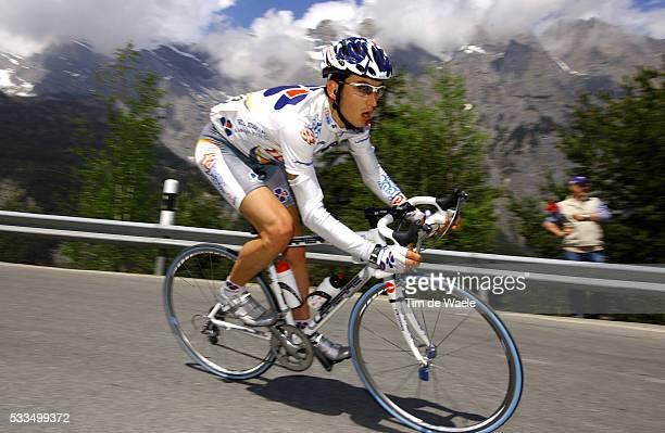 Cycling, 2004 Tour of Romandie. Sandy Casar during stage 4. Cyclisme, Tour de Romandie 2004. Sandy Casar dans la quatrième étape.