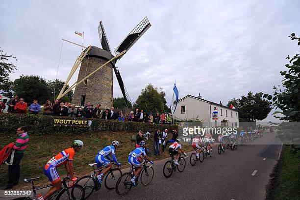 Road World Championships / Elite Men Illustration Illustratie / Peleton Peloton / Wind Mill Moulin Windmolen Molen / Landscape Paysage Landschap /...