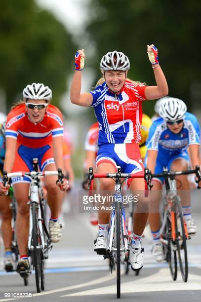 Road World Championships, Junior Women Arrival, Lucy Garner Celebration Joie Vreugde, Eline Brustad / Anna Zita Maria Stricker / Valkenburg -...