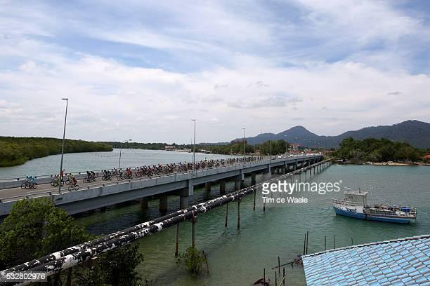 20th Tour Langkawi 2015/ Stage 5 Illustration Illustratie/ Peloton Peleton/ Landscape Paysage/ Sea Ocean Mer/ Bridge/ Kuala Terengganu Kuantan /...