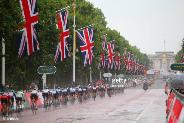 2nd Prudential RideLondonClassique 2017 / Women Peloton / The Mall / Rain / London London / Women / Prudential RideLondon /