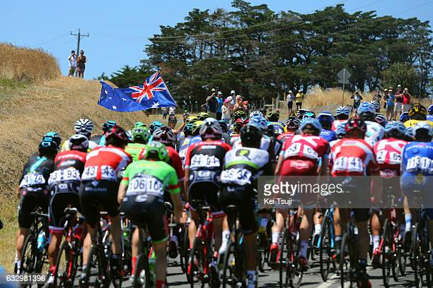 3rd Cadel Evans Great Ocean Road Race 2017 / Men Flag / Peloton / Geelong Waterfront Geelong Waterfront / Men / Great Ocean Road Race / ©Tim De...