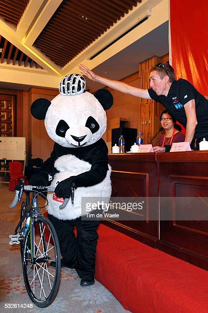 4th Tour of Beijing 2014 / Team Presentation Daniel MARTIN / Panda Bear Mascotte / Press Conference Persconferentit PC / Presentation Equipes...