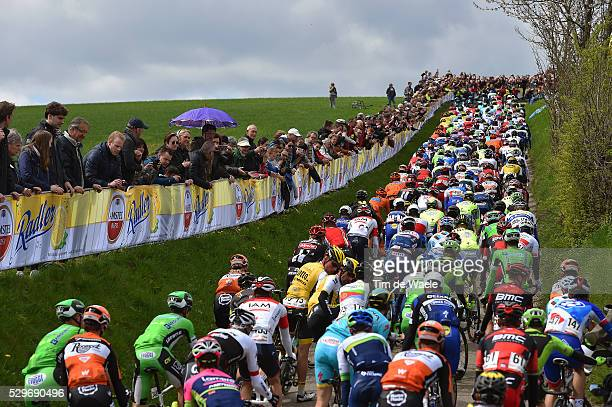 51th Amstel Gold Race 2016 Illustration Illustratie / Peleton Peloton / Gulpenerberg / Public Publiek Spectators Fans Supporters / Landscape Paysage...