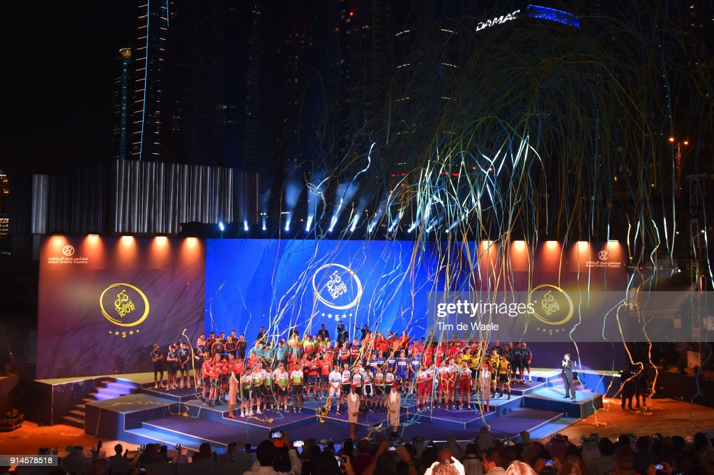 5th Tour Dubai 2018 / Team Presentation Fans / Public / Skydive Dubai / Team Presentation / Dubai Tour /