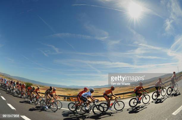 65Th Tour Of Spain 2010 Stage 13Illustration Illustratie Peleton Peloton Dessert Woestijn Heat Hot Warm Landscape Paysage Landschap Xavier Tondo...