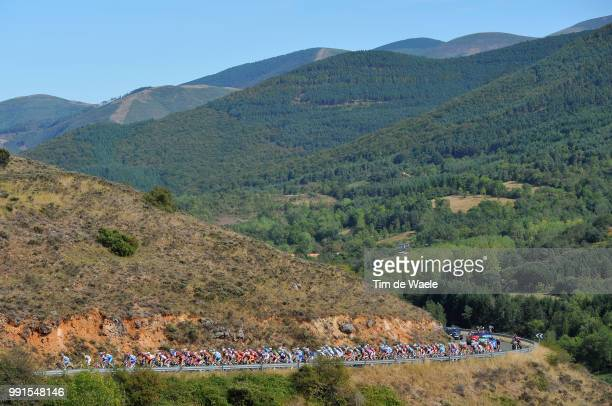 65Th Tour Of Spain 2010 Stage 13Illustration Illustratie Peleton Peloton Alto De Pradilla / Mountains Montagnes Bergen Landscape Paysage Landschap...