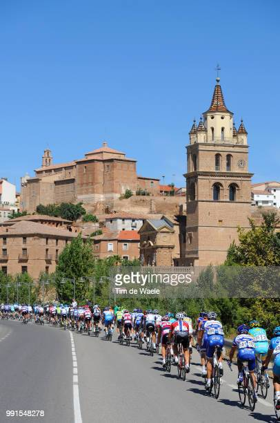 65Th Tour Of Spain 2010 Stage 13Illustration Illustratie Peleton Peloton Calahorra City Ville Stad Landscape Paysage Landschap Rincon De Soto Burgos...