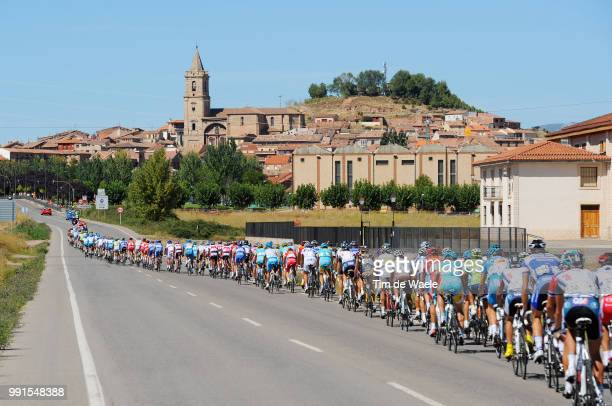 65Th Tour Of Spain 2010 Stage 13Illustration Illustratie Peleton Peloton Landscape Paysage Landschap Rioja Church Eglise Kerk Rincon De Soto Burgos /...