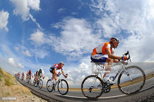 65th Tour of Spain 2010 / Stage 19 KOZONTCHUK Dmitry / Illustration Illustratie / Peleton Peloton / Sky Ciel Lucht Hemel / Landscape Paysage...