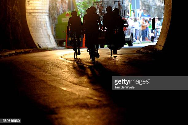 66th Tour of Spain 2011 / Stage 14 Illustration Illustratie / Peleton Peloton / Silhouet Shadow Hombre Schaduw / Tunnel / Astorga La Farrapona Lagos...