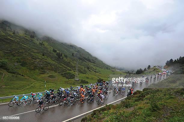 68th Tour of Spain 2013 / Stage 15 Illustration Illustratie / Peleton Peloton / PUERTO DE LA BONAIGUA Mountains Montagnes Bergen / Landscape Paysage...