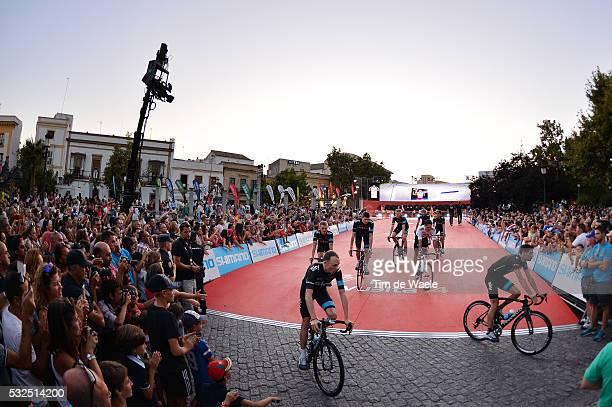 69th Tour of Spain 2014 / Team Presentation Team Sky / Illustration Illustratie / FROOME Christopher / Public Publiek Spectators / Fans Supporters /...
