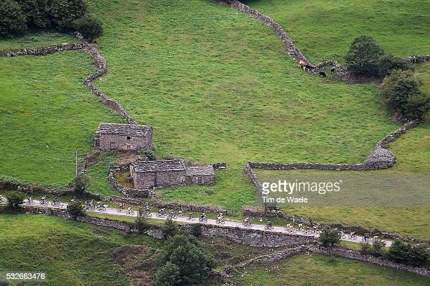 70th Tour of Spain 2015 / Stage 14 Illustration Illustratie/ Peloton Peleton/ Landscape Paysage/ Mountains Montagnes Bergen/ Vitoria-Alto Campoo....