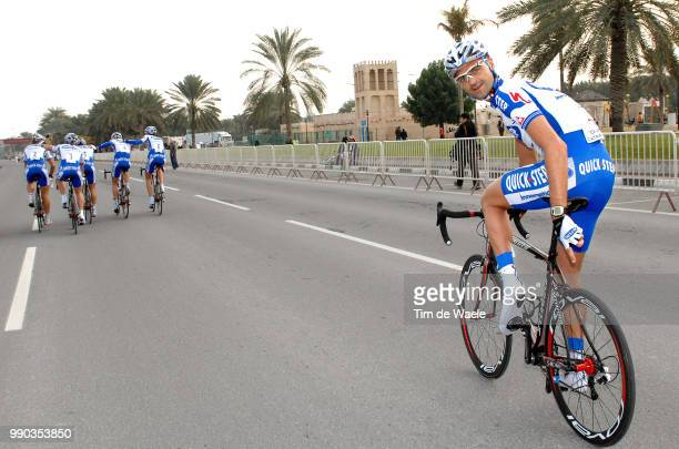 7Th Tour Of Qatar, Stage 1Arrival, Kevin Hulsmans Flat Tire Klapband /Doha Corniche - Doha Corniche Team Time Trial, Contre La Montre Par Equipe,...