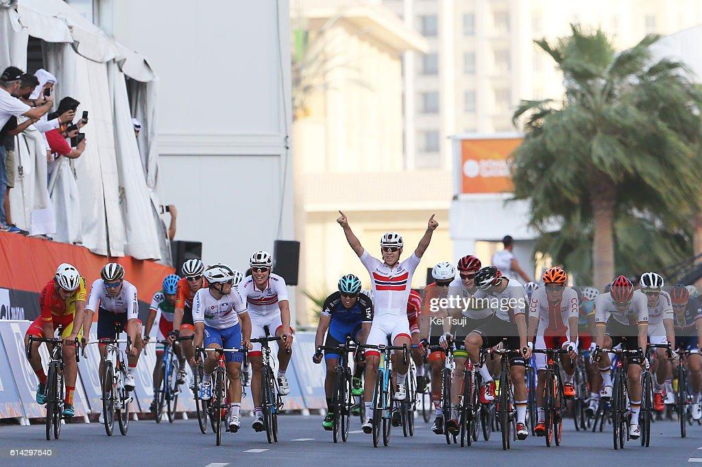 89th Road World Championships 2016 / Men U23 Road Race Arrival / Kristoffer HALVORSEN (NOR) Celebration / Pascal ACKERMANN (GER)/ Jakub MARECZKO (ITA)/ The Pearl Qatar - The Pearl Qatar (166km)/ Men U23 / WC /