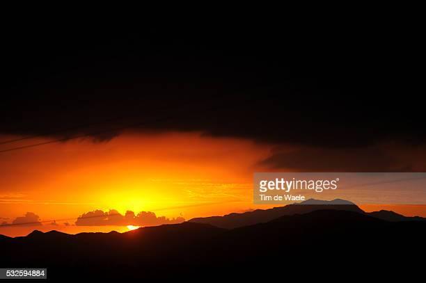 8th Tour de San Luis 2014 / Stage 6 Illustration Illustratie / Sunset Coucher Du Soleil Zonsondergang Mountains Montagnes Bergen / Landscape Paysage...