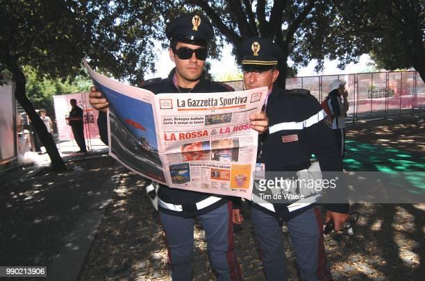Giro D'Italia, Stage 2 Illustration Illustratie, La Gazetta Dello Sport, Police Politie Gendarmerie, Tempio Pausania - Bosa Tour Italy, Ronde Van...