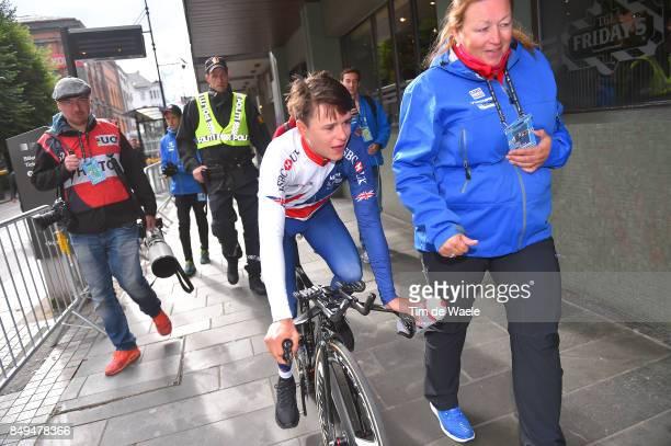 90th Road World Championships 2017 / ITT Men Junior Arrival / Thomas PIDCOCK Gold Medal Celebration / Bergen Bergen / Individual Time Trial / ITT /...