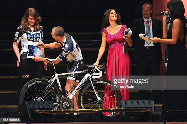 93th Giro d'Italia 2010 / Presentation Team Saxo Bank / Anders LUND / Yolanthe CABAU van KASBERGEN / Tour of Italy / Ronde van Italie / Presentatie /...