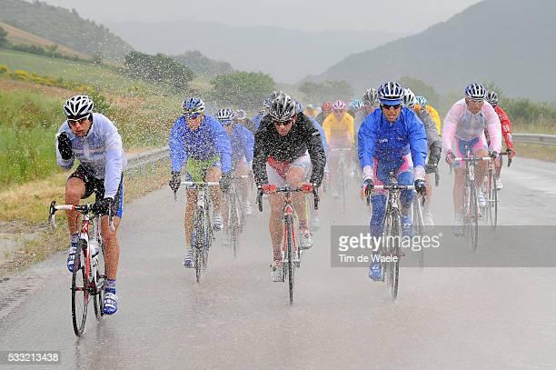 93th Giro d'Italia 2010 / Stage 11 Marco Velo / Roberto Simoni / Illustration Illustratie Regen Rain Pluie/ Lucera - L'Aquila / Tour of Italy / Ronde...