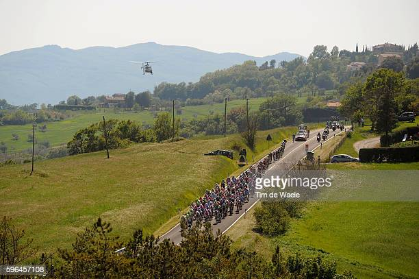 94th Giro Italia 2011/ Stage 5 Illustration Illustratie / Peleton Peloton / SARAGIOLO / Landscape Paysage Landschap / Toscani / Piombino - Orvieto /...