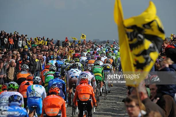 96th Tour of Flanders 2012 Illustration Illustratie / Peleton Peloton / Public Publiek Spectators Fans Supporters / WANNEGEMDORP / Brugge -...