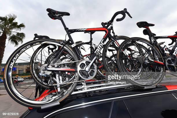 96Th Volta Catalunya 2016 Stage 6Illustration Illustratie Start Departure Vertrek Team Bmc Racing Team / Car Voiture Auto Bmc Bike Velo Fiets Sant...