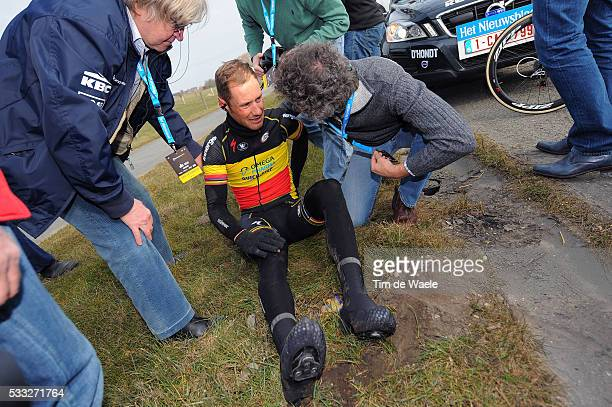 97th Tour of Flanders 2013 BOONEN Tom / Crash Chute Val / VAN ROY Joris Dokter Doctor Medic / Brugge Oudenaarde / Tour de Flandres / Ronde van...