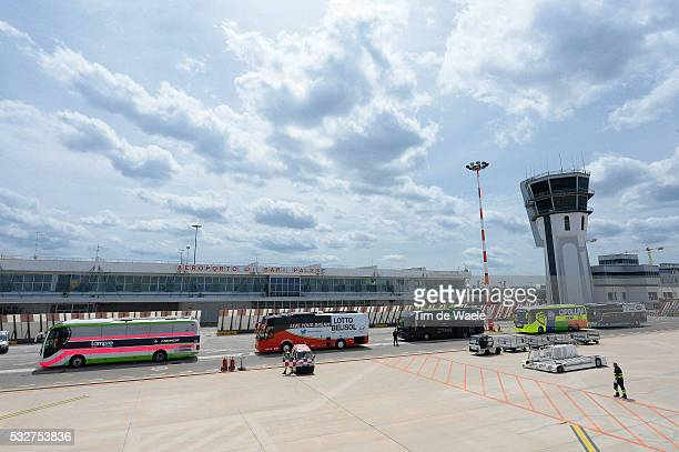 97th Tour of Italy 2014 / Restday 1 Illustration Illustratie / Bus Autobus Airport / Flight Transfert from Dublin towards Bari / Rustdag Jour de...