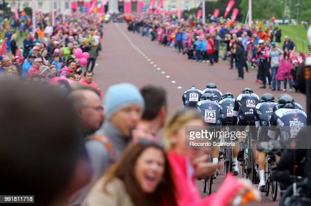 97Th Tour Of Italy 2014 Stage 1 Team Omega Pharma Quick Step / Illustration Illustratie Stormont Parlement Building Public Publiek Spectators...