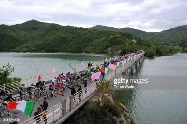 97Th Tour Of Italy 2014, Stage 7 Illustration Illustratie, Peleton Peloton, Lago Del Turano Lake Lac Meer, Bridge Pont Brug /Landscape Paysage...